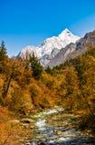 Гора заводи и снега Стоковая Фотография RF