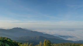 Гора и небо Стоковое фото RF
