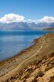 Гора и озеро падуба Стоковое Изображение