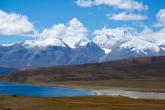Гора и озеро падуба Стоковое Изображение RF