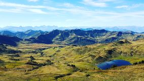 Гора и озеро стоковое фото