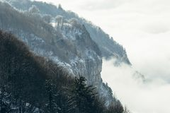 Гора и туман Стоковое Изображение