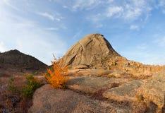 Гора монолита стоковые изображения rf