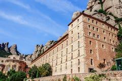Гора Монтсеррата Каталонии, Испании Горы Монтсеррата и бенедиктинский монастырь Santa Maria de Монтсеррата Стоковые Фото
