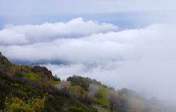 Гора над облаком Стоковая Фотография