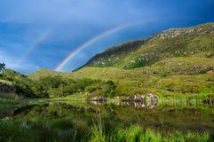 гора над радугой Стоковое Фото