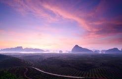 Гора на сумерк на Sametnangshe, Phang Nga, Таиланде Стоковые Фотографии RF