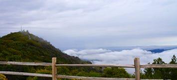 Гора над clould Стоковое Изображение