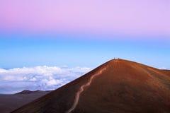 Гора обозревает над облаками Стоковая Фотография