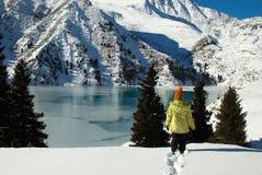 гора озера девушки малая Стоковые Изображения