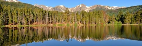 гора озера панорамная Стоковые Изображения RF