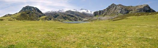 гора озера панорамная Стоковое фото RF