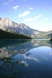 гора озера спокойная Стоковые Фотографии RF