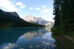 гора озера спокойная Стоковое Изображение