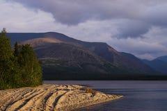 гора озера сумрака Стоковая Фотография