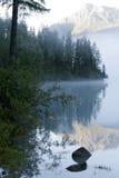 гора озера тумана Стоковая Фотография RF
