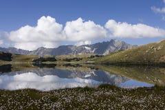 гора озера стоковая фотография