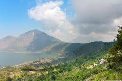гора озера bali agung нижняя вулканическая Стоковые Изображения