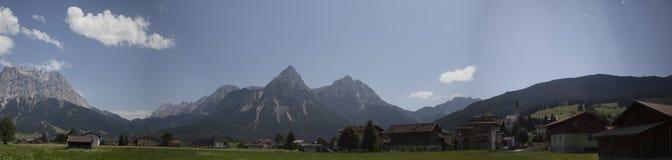 Гора панорамы стоковое фото rf