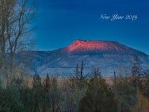 Гора первое светлое 2019 стоковое фото