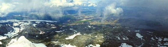 Гора покрынная снежком Стоковое Фото