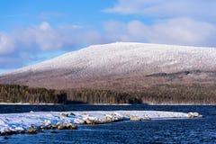 Гора покрытая с снежком Стоковое Изображение