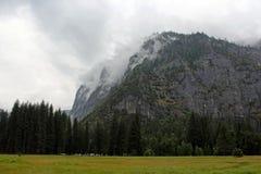 Гора пункта ледника, национальный парк Yosemite Стоковое Изображение