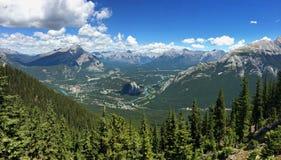 Гора серы в национальном парке Banff в канадских скалистых горах Стоковое Изображение RF