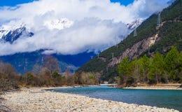 Гора снега, ясный ландшафт Green River каньона Стоковая Фотография