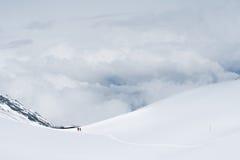 Гора снежка След пересекая пропуск Ла Thorong Стоковое Изображение RF