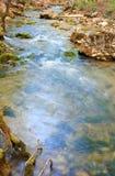 гора струится река Стоковое фото RF