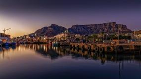Гора таблицы на восходе солнца стоковая фотография rf