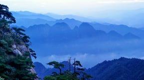 гора тумана облака sanqingshan Стоковое Изображение