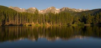 гора утра утесистая стоковое изображение rf