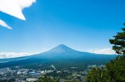 Гора Фудзи в лете стоковая фотография rf