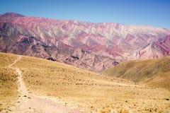 Гора цвета 14 в Humahuaca, к северо-западу от Аргентины Стоковая Фотография