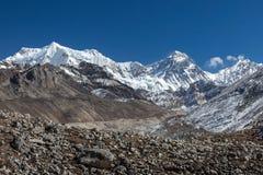 Гора Эвереста и ледник Ngozumpa взгляд от Стоковое Изображение