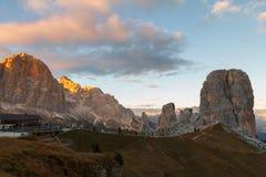 Гора Cinque Torri, красивые цвета осени в moun доломитов Стоковая Фотография