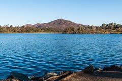 Гора Cowles и озеро Мюррей в Сан-Диего Стоковые Изображения