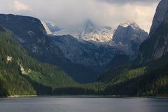 Гора Dachstein и озеро Gossausee, австриец Альпы Стоковые Фото