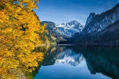 Гора Dachstein на Gosausee, Salzkammergut, Австрии Стоковые Фото