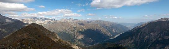 Гора Dombai, стрельба панорамы, Кавказ, Россия Стоковое Изображение