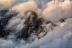 Гора Garibaldi предусматриванная в облаках Стоковое Изображение RF