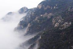 Гора Lushan в облаке стоковое изображение