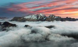 Гора Marmolada на заходе солнца в доломитах Италии Стоковая Фотография RF