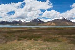 Гора Nianqing Tanggula Стоковые Изображения RF
