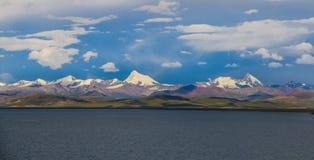 Гора Nyenchenthanglha Стоковые Фото