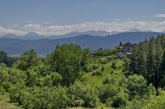 Гора Plana и красивая деревня Alino Стоковые Изображения RF