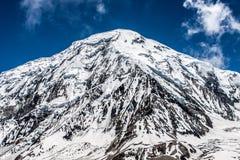 Гора Snowy в Гималаях Стоковое фото RF