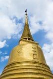 Гора Stupa Wat Saket золотая в Бангкоке, Таиланде Стоковое Изображение RF